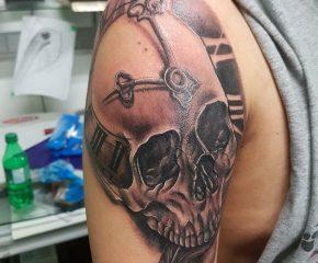 skull clock aug24 17